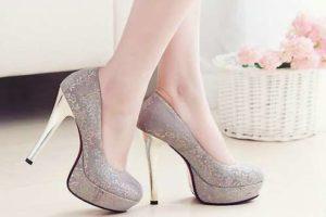 High heeled shoes may cause foot corns