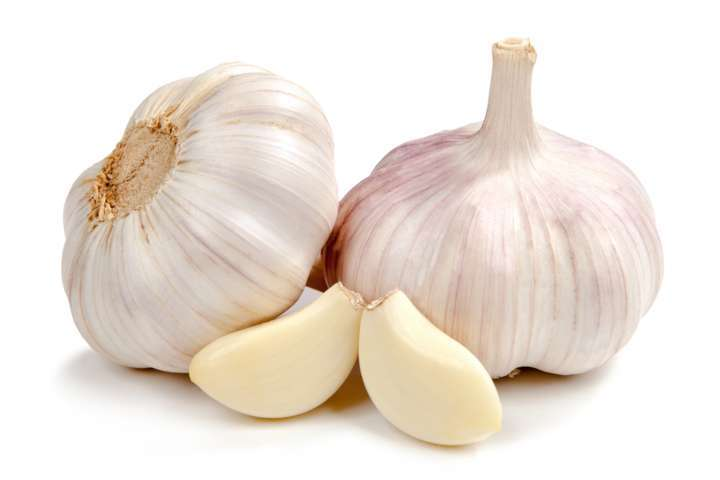 Use garlic to get rid of corns on feet and toes