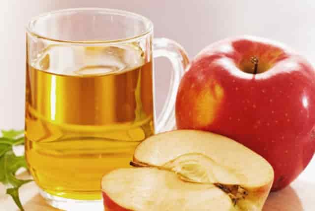 Apple cider vinegar is an effective remedy for white spots on toenails