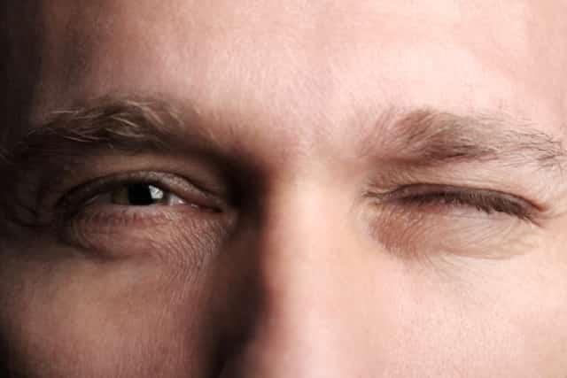 eye twitching, eyelid, eyeball, left, right, keeps twitching, Skeleton